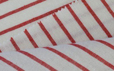 Waar moet ik aan denken bij het knippen van een gestreepte stof?