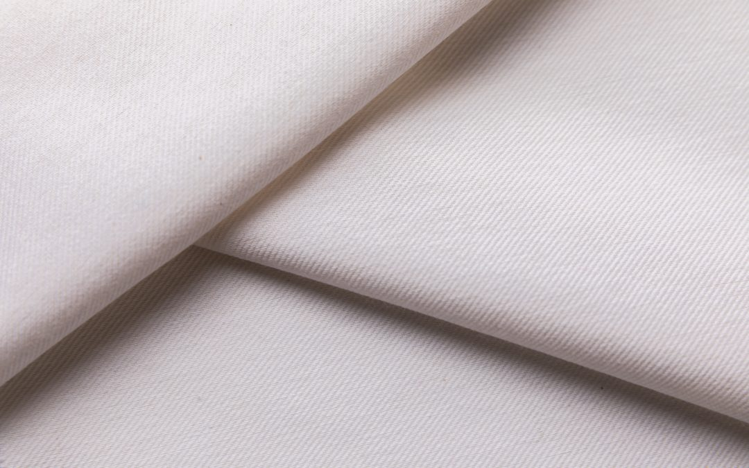 Duurzame kleding verven met een natuurlijke verfstof